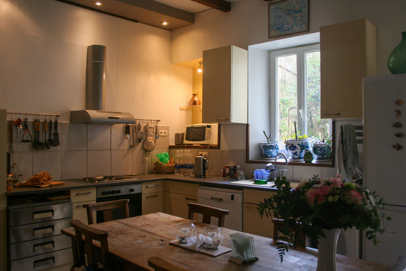 French property for sale in Saint-Jean-d'Angély, Charente-Maritime - €141,700 - photo 9