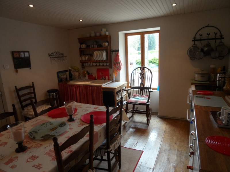 French property for sale in Uzerche, Corrèze - €149,990 - photo 3
