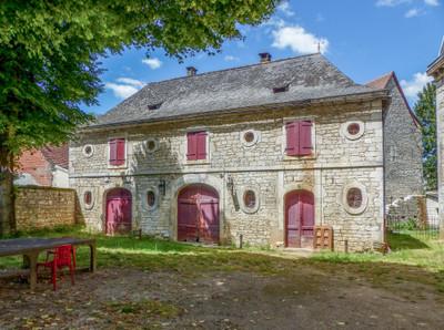 Elégant château du 19e surplombant la Dordogne, vue panoramique sur la rivière et la vallée, parc de 5ha, maison d'ami