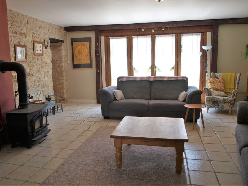 French property for sale in La Chèvrerie, Charente - €267,500 - photo 5