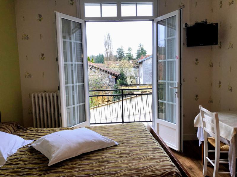 French property for sale in Saint-Pardoux-la-Rivière, Dordogne - €530,000 - photo 7