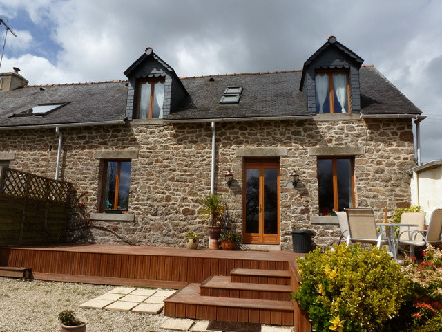 French property for sale in Glomel, Cotes d Armor - €310,300 - photo 7