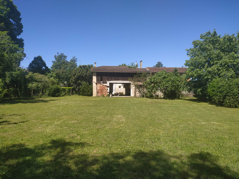French property for sale in Saint-Denis-de-Pile, Gironde - €339,000 - photo 2