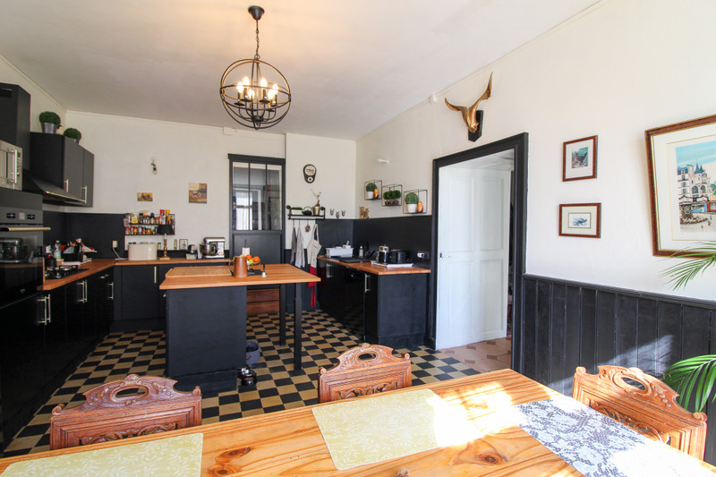 French property for sale in Voulmentin, Deux-Sèvres - €251,450 - photo 5