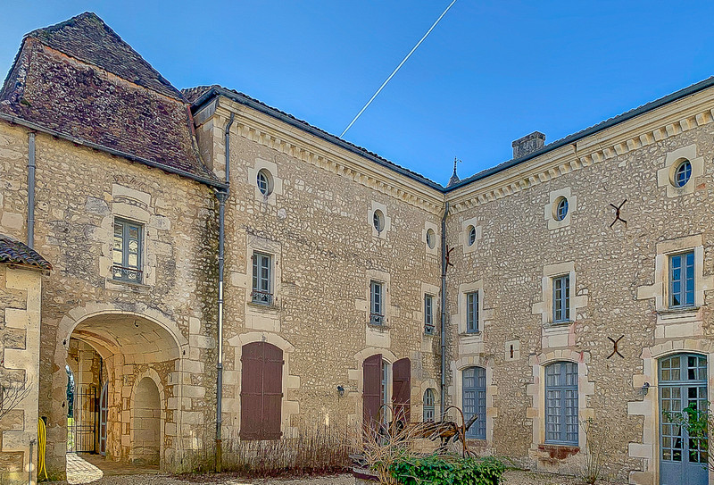 French property for sale in Bardenac, Charente - €1,059,000 - photo 9