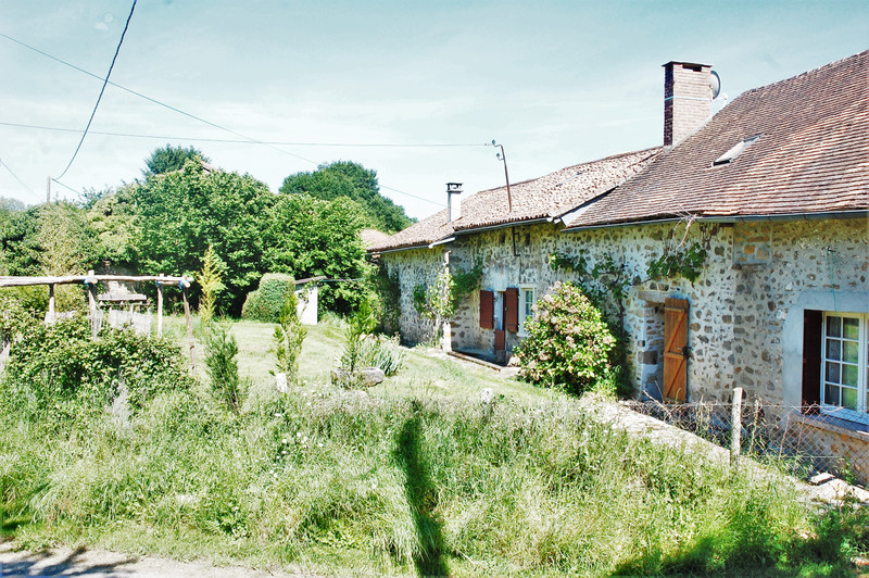 French property for sale in Saint-Mathieu, Haute-Vienne - €188,000 - photo 2