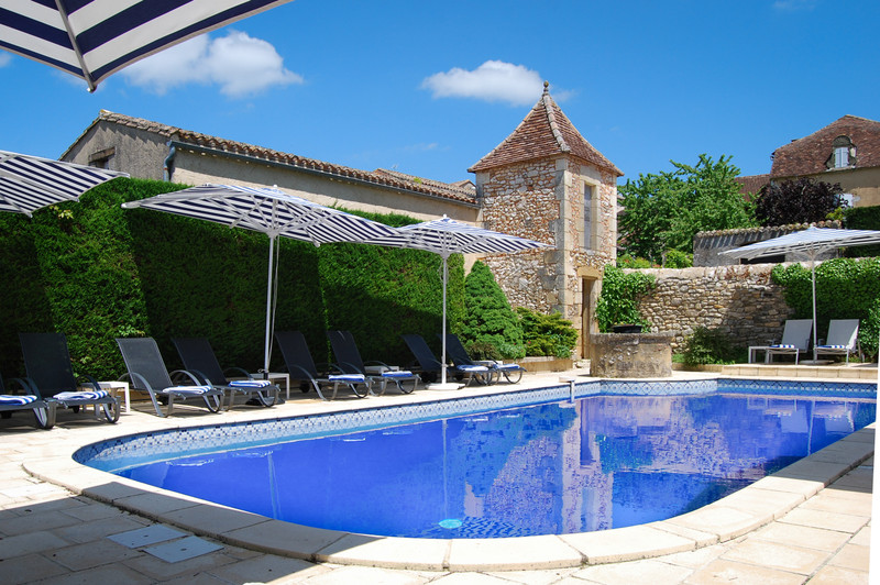 French property for sale in Biron, Dordogne - €1,298,500 - photo 2