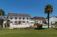 French property, houses and homes for sale inSaint-Jean-d'AngélyCharente_Maritime Poitou_Charentes