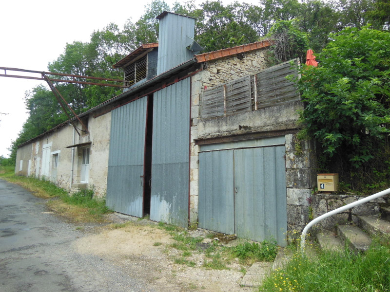 French property for sale in Antigny, Vienne - €77,000 - photo 6