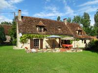 Charmante maison en pierre, entièrement rénovée avec grange près de Montignac-Lascaux.