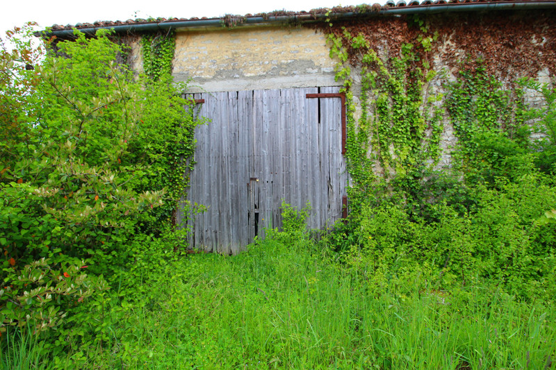 French property for sale in Romazières, Charente-Maritime - €12,000 - photo 5
