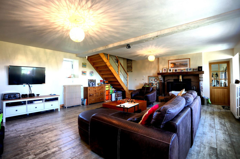 French property for sale in Chantonnay, Vendee - €318,000 - photo 3