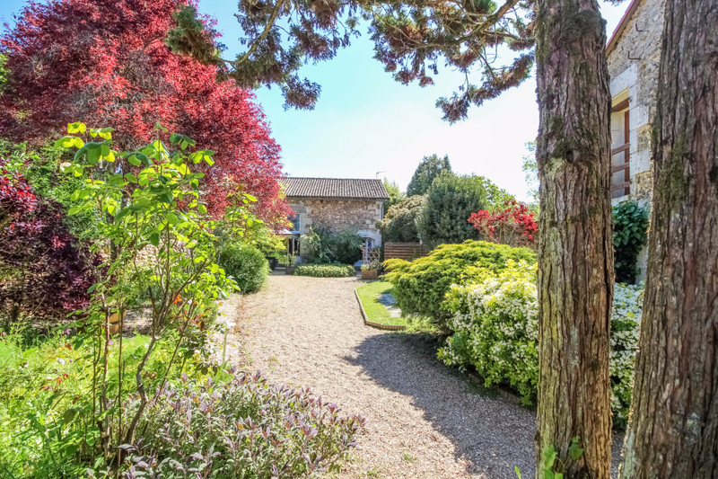 French property for sale in La Chapelle-Moulière, Vienne - €374,975 - photo 10