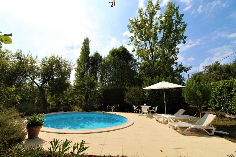 French property for sale in Salles-Lavalette, Charente - €349,800 - photo 2