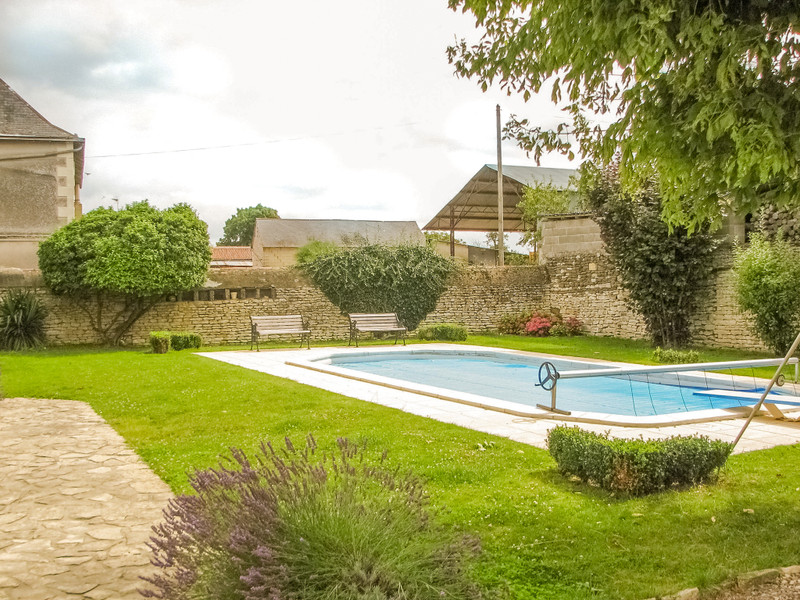 French property for sale in Frontenay-sur-Dive, Vienne - €199,800 - photo 10