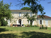French property, houses and homes for sale in Jau-Dignac-et-Loirac Gironde Aquitaine