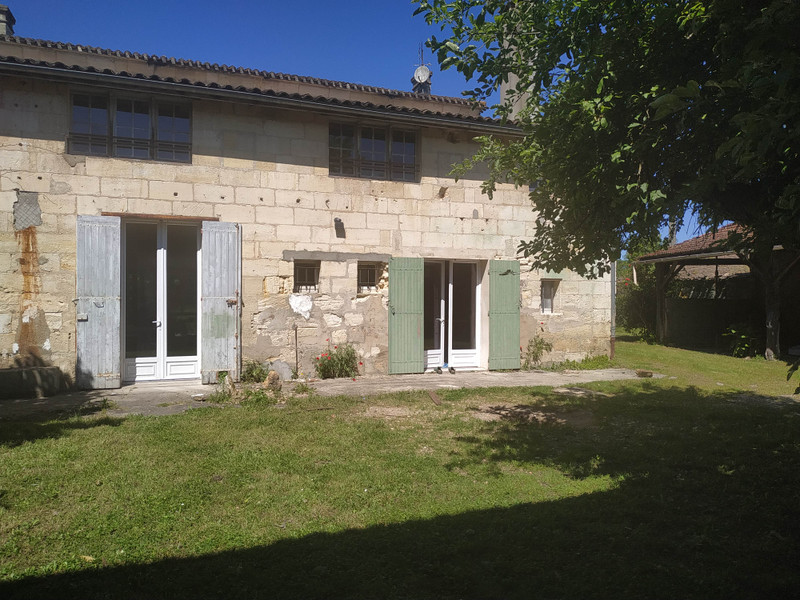 French property for sale in Saint-Denis-de-Pile, Gironde - €339,000 - photo 10