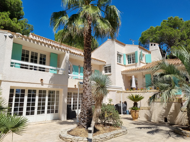 French property for sale in Béziers, Hérault - €875,000 - photo 2
