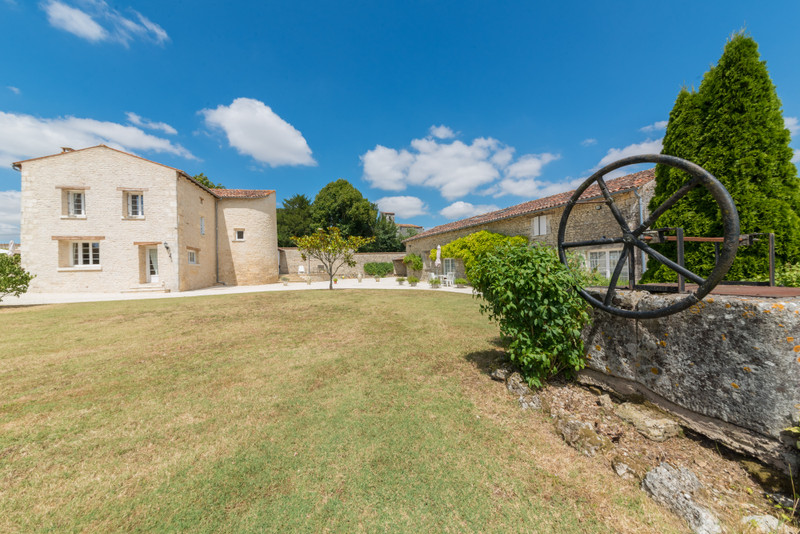 French property for sale in Saint-Hilaire-de-Villefranche, Charente Maritime - €1,100,000 - photo 8