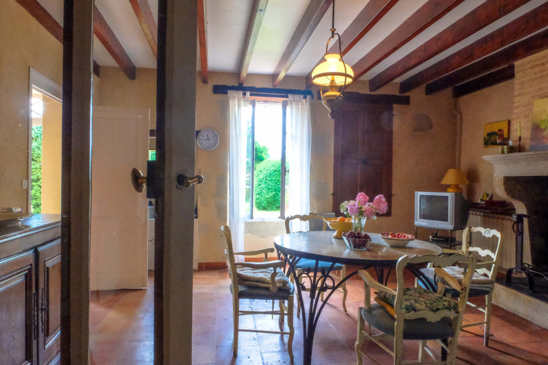 French property for sale in Neuffons, Gironde - €381,600 - photo 10