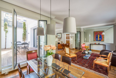 Exceptional 'Art Déco' mansion, stylishly renovated, on a leafy Boulevard off Porte de La Muette, Avenue Foch and Bois de Boulogne