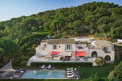 Rare opportunité d'acquérir une propriété très spéciale au cœur du Golfe de Saint Tropez.