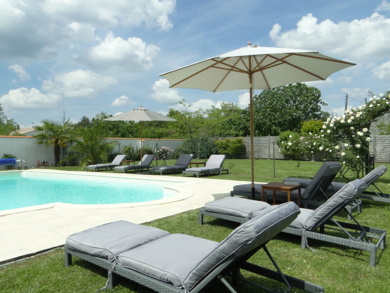 French property for sale in Saint-Ciers-du-Taillon, Charente-Maritime - €299,980 - photo 8
