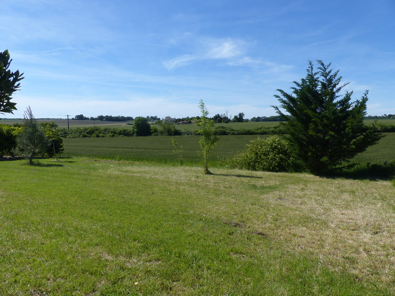 French property for sale in Cozes, Charente Maritime - €95,000 - photo 2