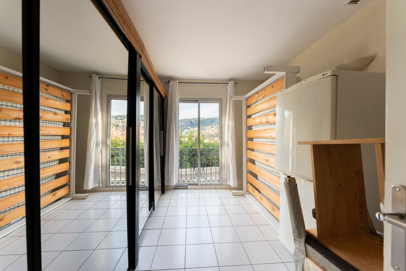French property for sale in Villefranche-sur-Mer, Alpes-Maritimes - €269,000 - photo 5