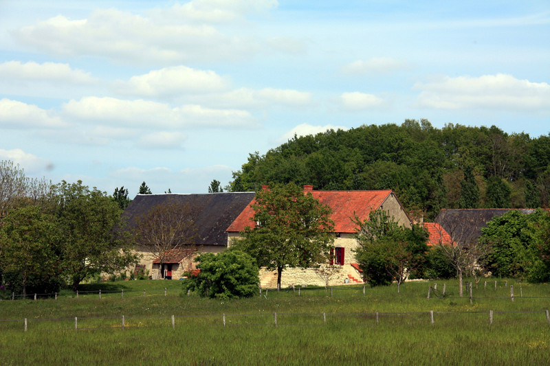 French property for sale in Montaigu-le-Blin, Allier - €795,000 - photo 9