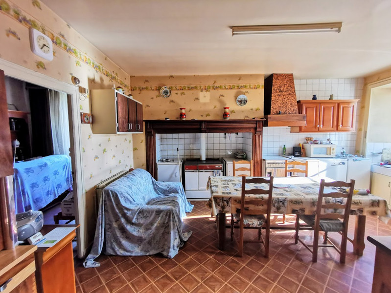 French property for sale in Le Chalard, Haute-Vienne - €118,500 - photo 4