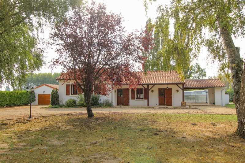 French property for sale in Ouzilly, Vienne - €195,000 - photo 4