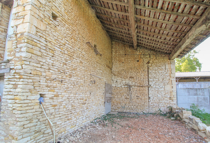 French property for sale in Angliers, Vienne - €77,000 - photo 3