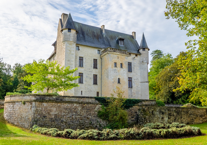 French property for sale in Bouëx, Charente - €3,200,000 - photo 2