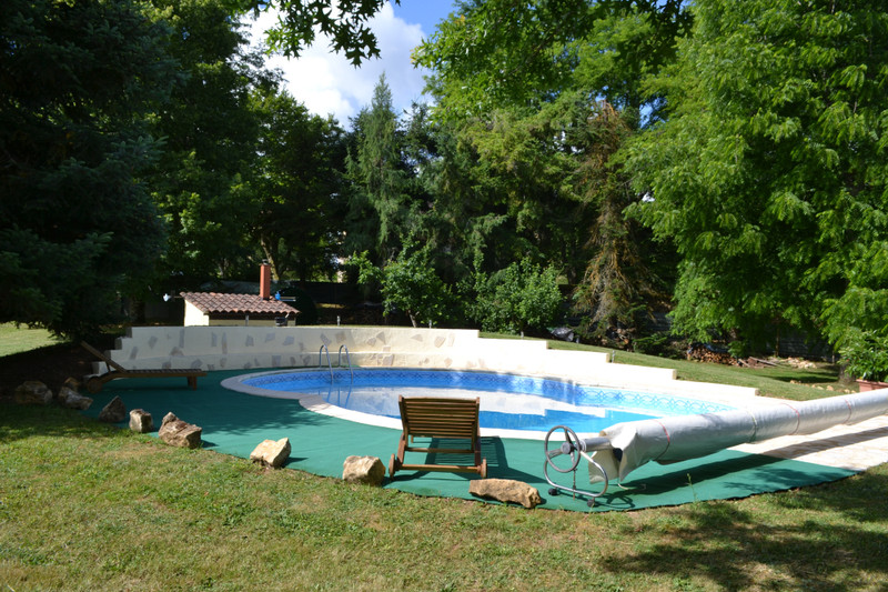 French property for sale in Lalinde, Dordogne - €648,500 - photo 2