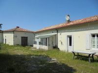 French property, houses and homes for sale inMontmoreau-Saint-CybardCharente Poitou_Charentes