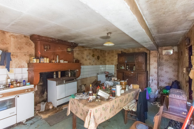 French property for sale in Montendre, Charente-Maritime - €136,250 - photo 4