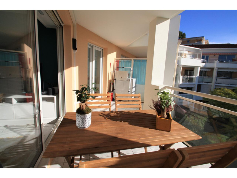 French property for sale in Le Cannet, Alpes Maritimes - €219,000 - photo 2