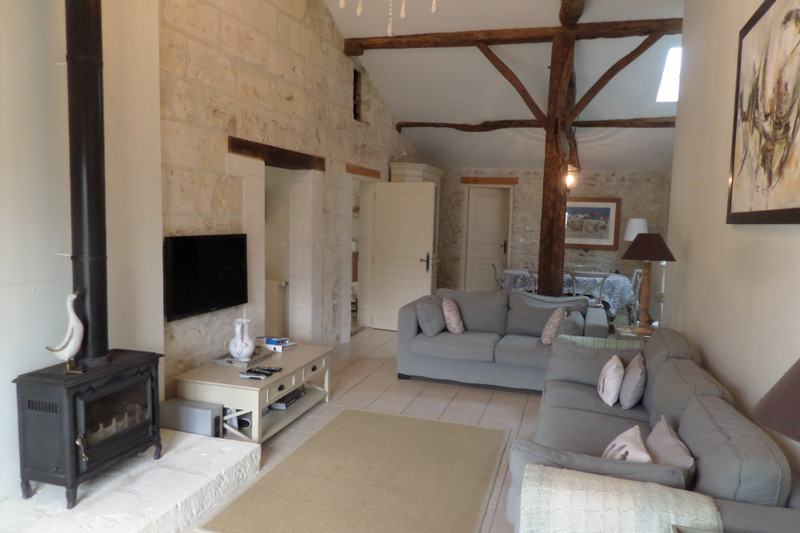 French property for sale in Saint-Ciers-du-Taillon, Charente-Maritime - €299,980 - photo 2