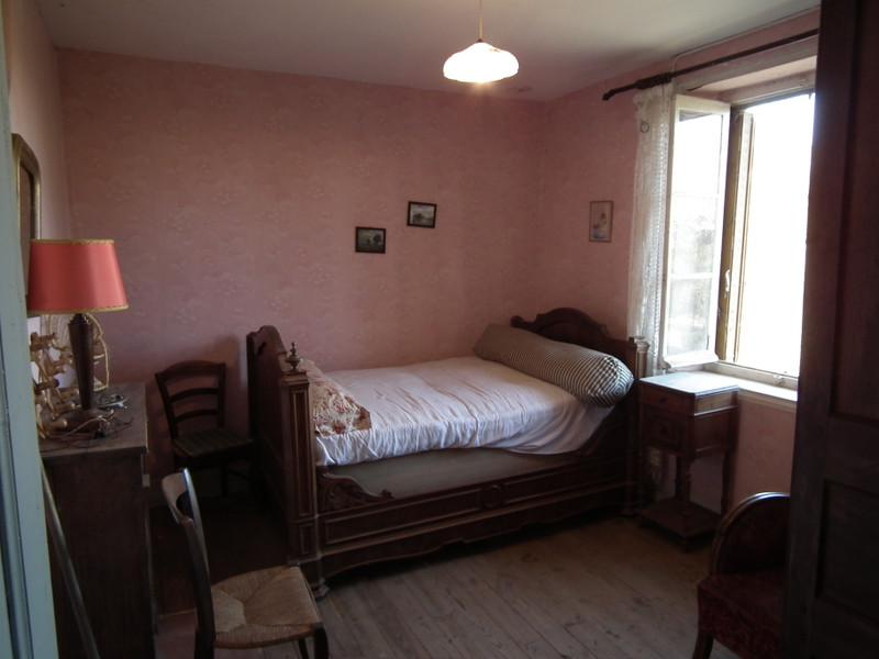Maison à vendre à Auzances, Creuse - 25 000 € - photo 10