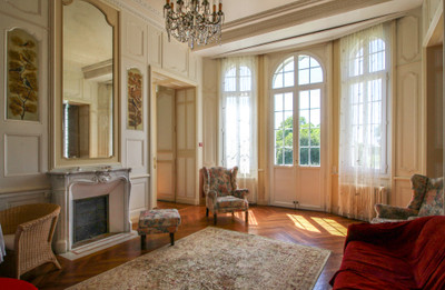 Beautiful Château and more, set in a large magnificent park of over 50 hectares, close to the coast.