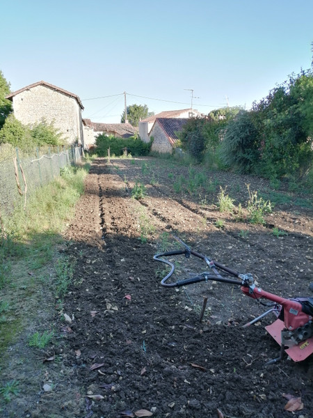 French property for sale in Payroux, Vienne - €19,000 - photo 3