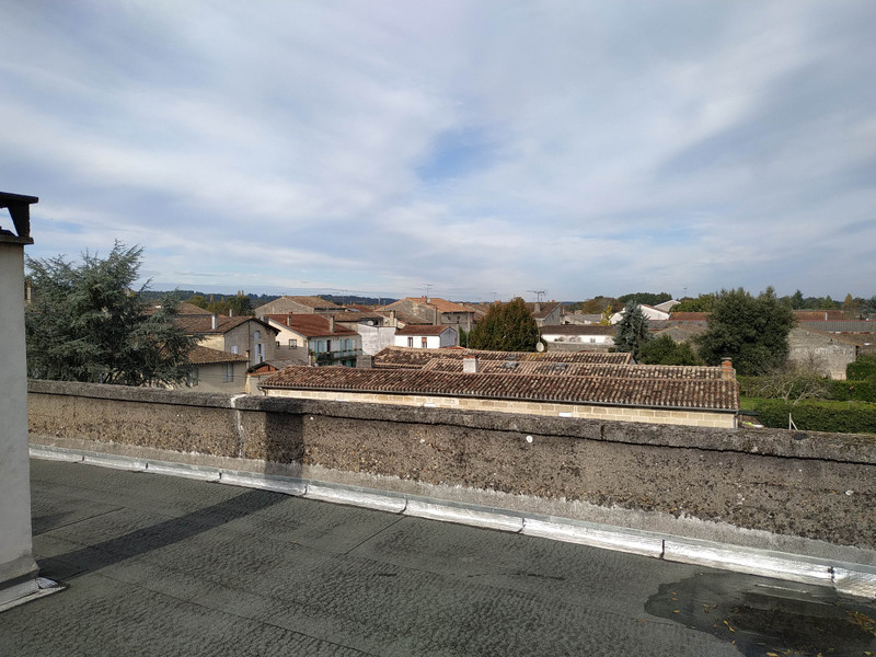 French property for sale in Coutras, Gironde - €359,995 - photo 8