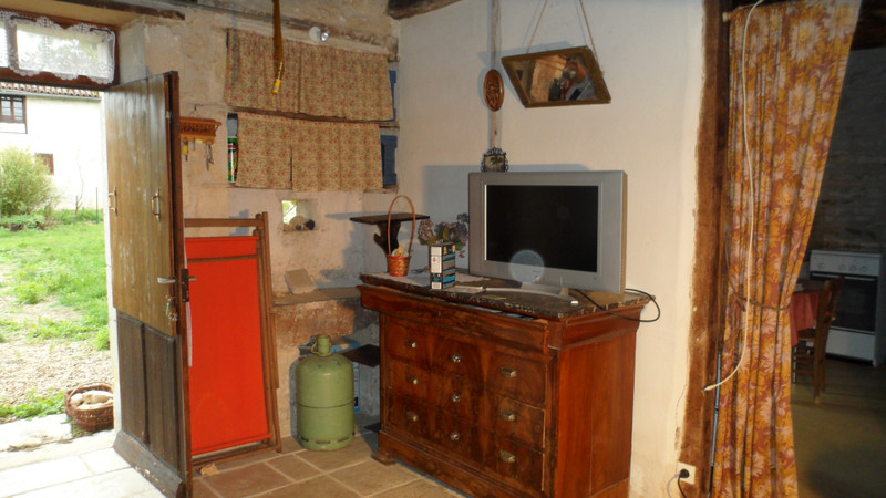 French property for sale in Blanzay, Vienne - €50,000 - photo 4