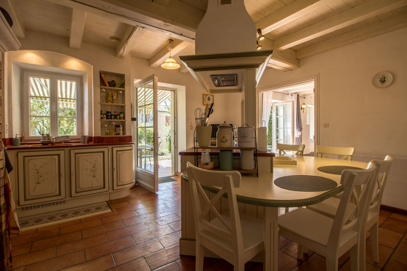French property for sale in Angoulême, Charente - €399,900 - photo 6