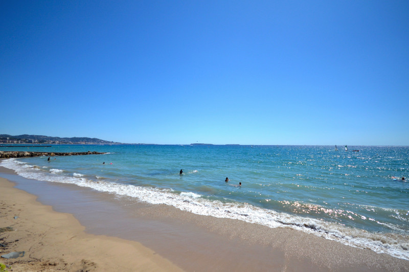French property for sale in Cannes, Alpes-Maritimes - €455,000 - photo 7