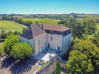 Historic and imposing chateau in the rolling hills and forests of Lot et Garonne, in