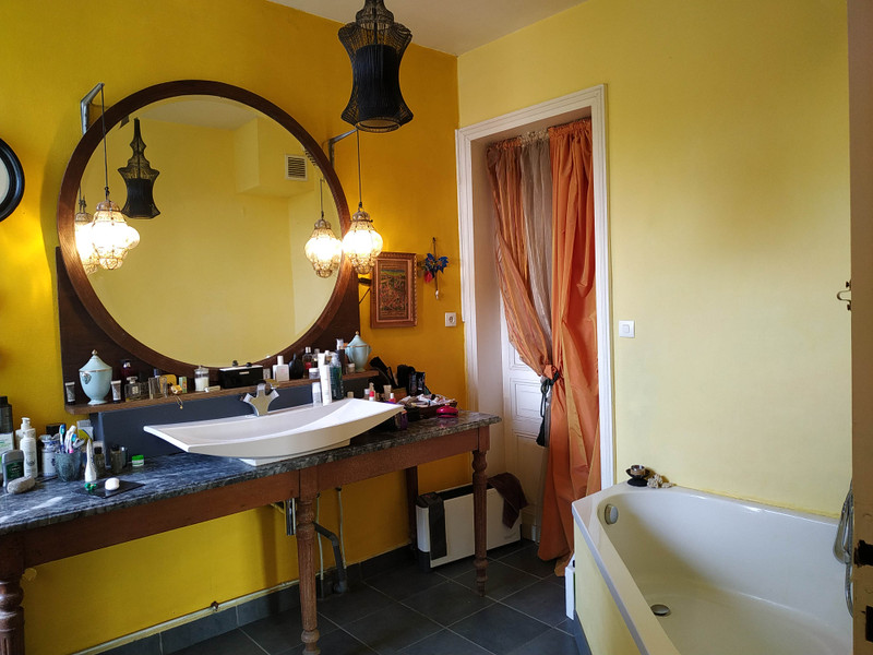 French property for sale in Coutras, Gironde - €359,995 - photo 10