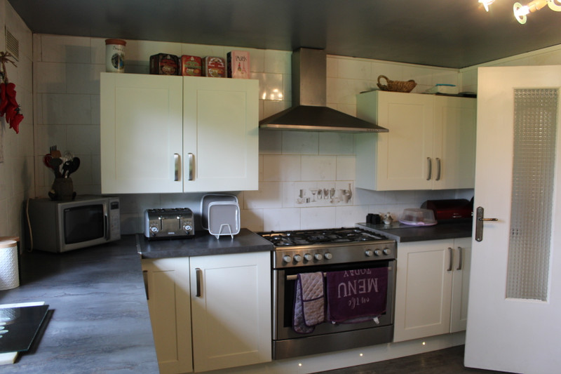 French property for sale in Saint-Clément-Rancoudray, Manche - €130,800 - photo 4