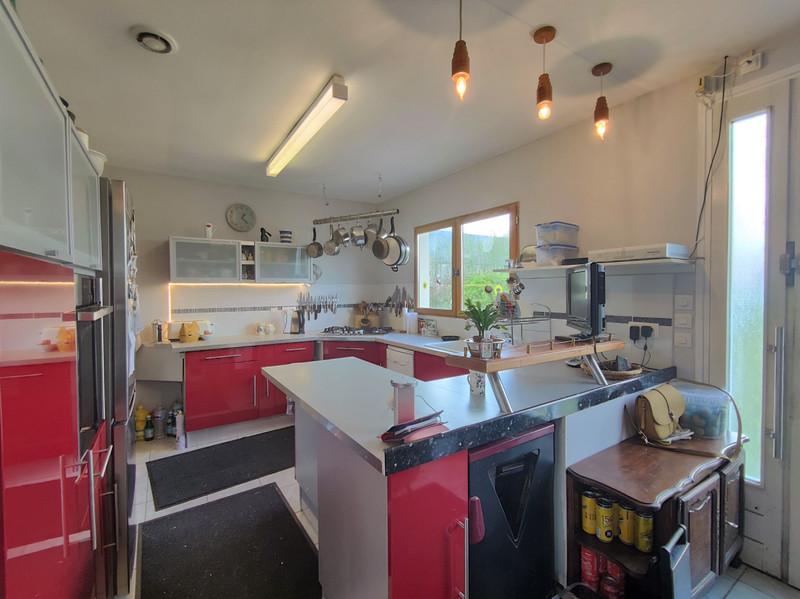 French property for sale in Le Ménil-de-Briouze, Orne - €139,500 - photo 3